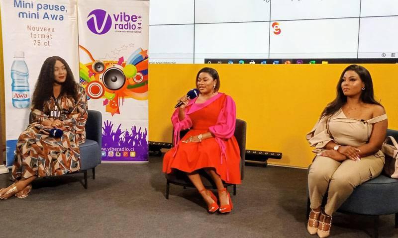 Belle Jones (au centre) promet d'aider les femmes à bâtir leur leadership. (DR)