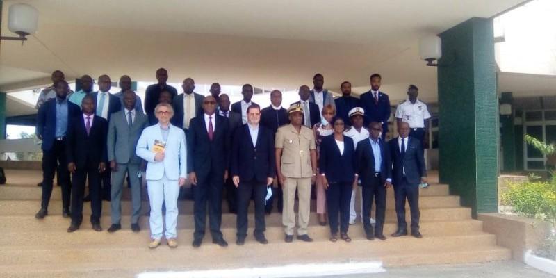 L'équipe du Crempol, fière d'avoir réussi ses premières recherches sur la sureté et la sécurité maritime et portuaires en Côte d'Ivoire. (DR)