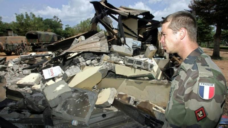 Le bombardement du camp  français de Bouaké a causé des dégâts matériels et humains (DR)