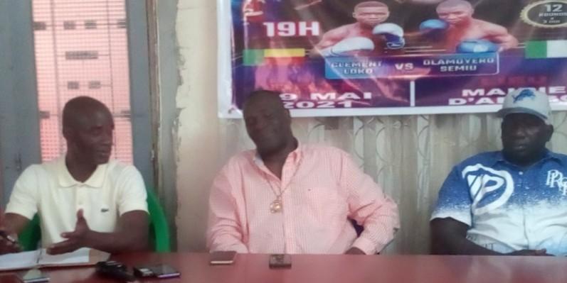 Le président Arthur Boua (à gauche) et ses partenaires ont de bons projets pour la boxe ivoirienne. (Photo : DR)