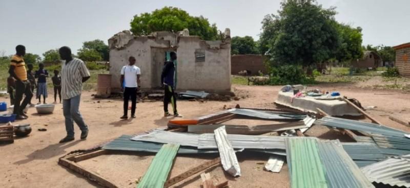 Un vent violent a occasionné des dégâts matériels dans le village de Kondjidouo. Plusieurs familles sont sans abri. (Photo : AIP)