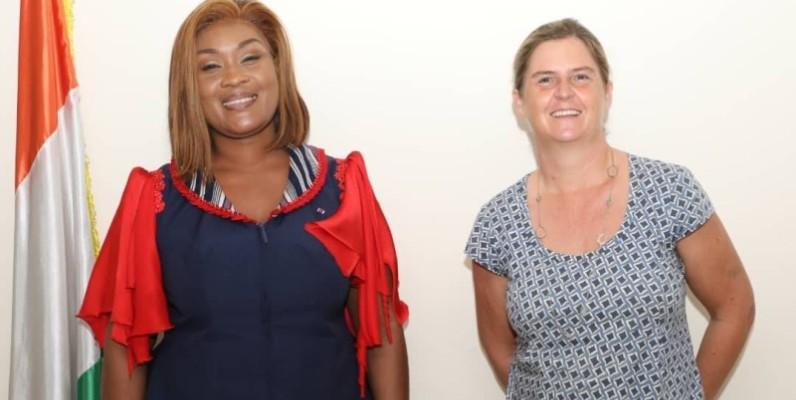 La ministre de la Solidarité et de la Lutte contre la pauvreté, Myss Belmonde Dogo et Coralie Gever représentante de la Banque mondiale en Côte d'Ivoire. (DR)