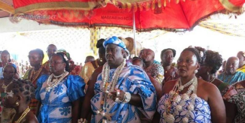 Sa Majesté Nanan Kanga Assoumou conduit le peuple Abouré Ehè depuis 30 ans. (DR)