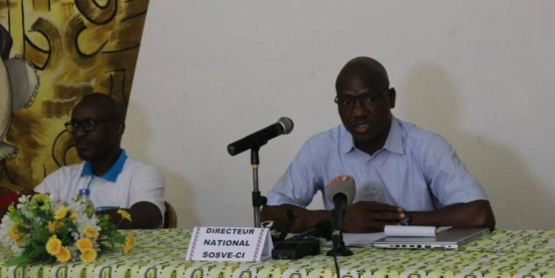 Le directeur général de SOS Villages d'enfants Côte d'Ivoire (au micro) annonce de belles festivités pour cette année. (Bavane)