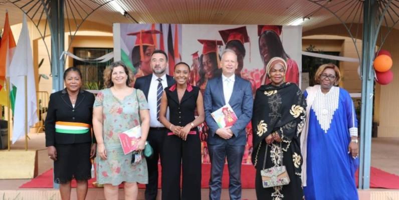 Une vue des personnalités ayant pris part au lancement de la 4e édition de l'AWF à Cocody. (Photo : Sercom Fondation Séphis)