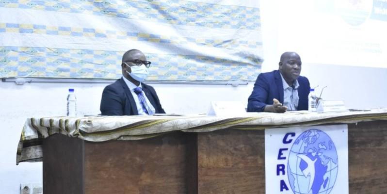 Dr Gaoussou Karamoko (à droite) a animé la conférence. (Photo : Ange Kumassi)