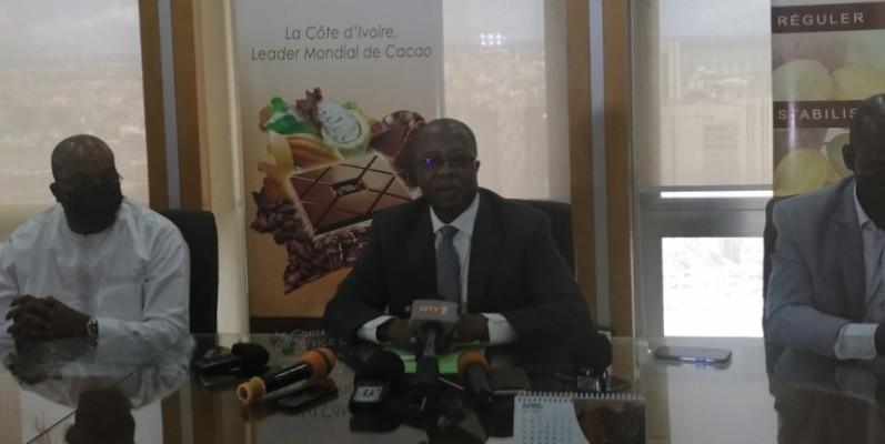 Yves Brahima, directeur général du Conseil café-cacao (au centre). (Photo : DR)