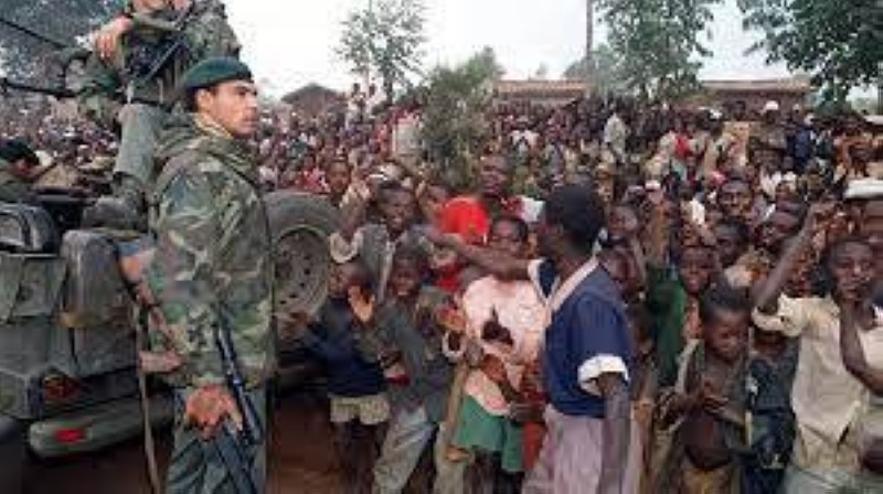Les soldats de la force française Turquoise au Rwanda en 1994. HOCINE ZAOURAR / ARCHIVES / AFP
