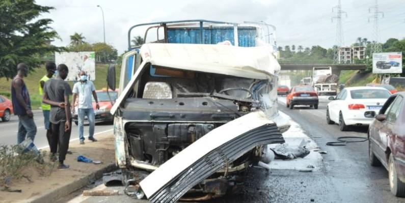 Une vue du camion à la base de l'accident. (Photo : Julien Monsan)
