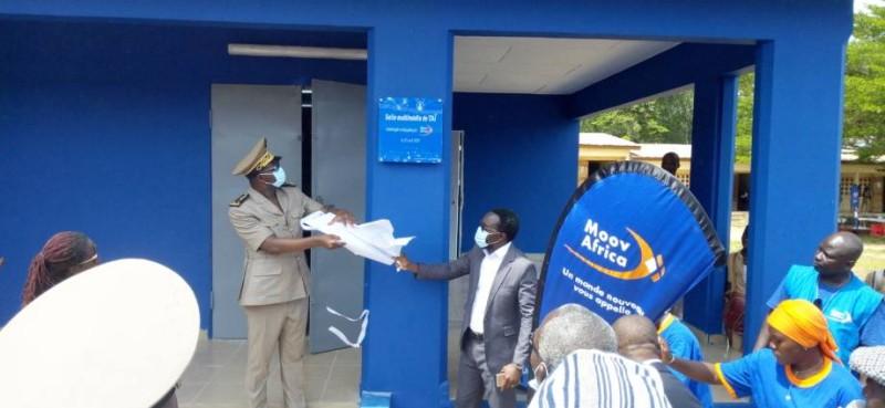 Moov Africa -Don Salle multi media au Lycée municipal de Taî
