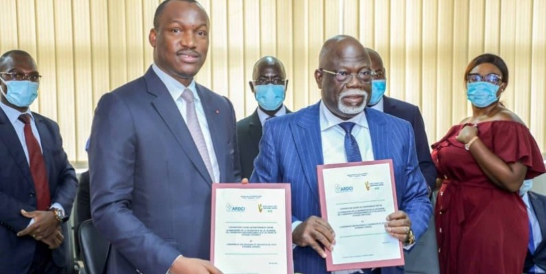 Le ministre Mamadou Touré (à gauche) en compagnie du vice-président de l'Ardci, Philippe Légré. (DR)