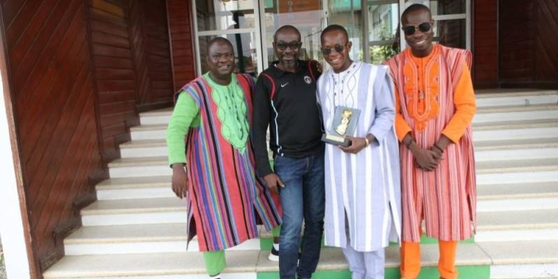 Des artistes burkinabè qui font le zouglou à merveille (Poro)