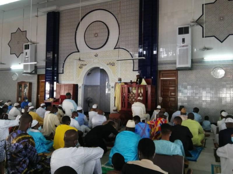Prière de l'Aïde-El-Fitr à la mosquée d'Aghien