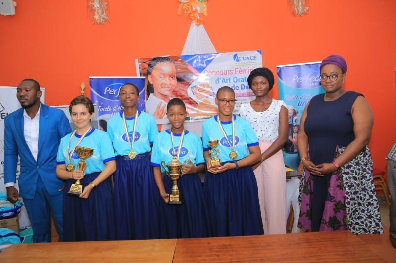 Les 4 lauréates du Collège Notre Dame de la Paix qui ont remporté 3 prix sur 5. (DR)