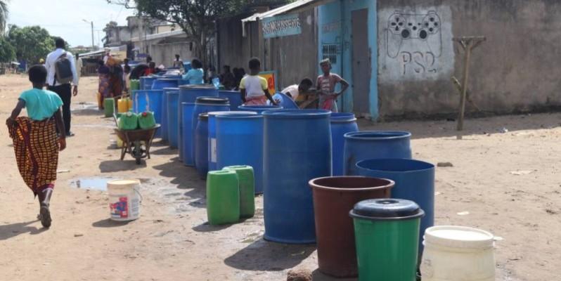 Pour le manque d'eau dans les robinets, les populations sont confrontées à d'énormes difficultés. (Bavane)