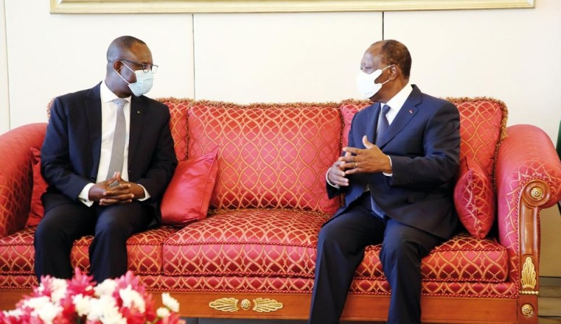 Le président de la Bidc (à gauche) a été reçu en audience par le Chef de l'État, au Palais de la Présidence. (Photo : Poro Dagnogo)