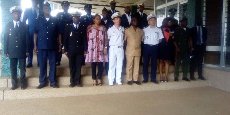 Une photo de famille après l'ouverture du séminaire. (DR)