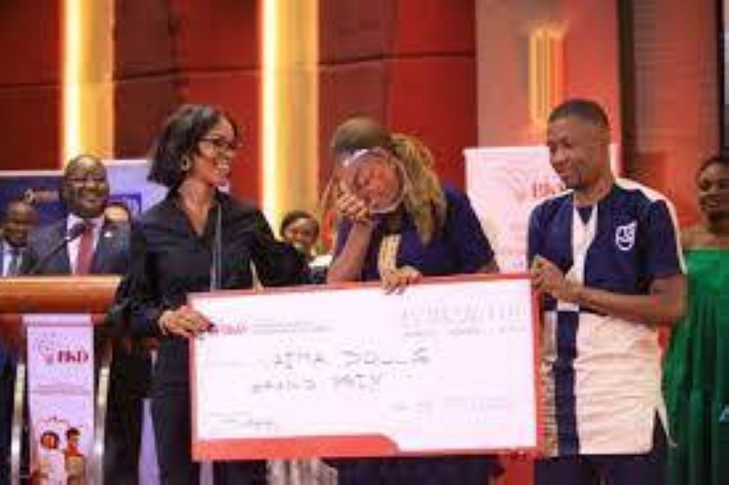 The grand winner in the third edition moved to receive her DR prize.