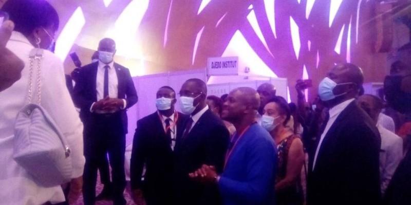 Le ministre Souleymane Diarassouba a procédé à la visite des Stand après la cérémonie d'ouverture. (DR)