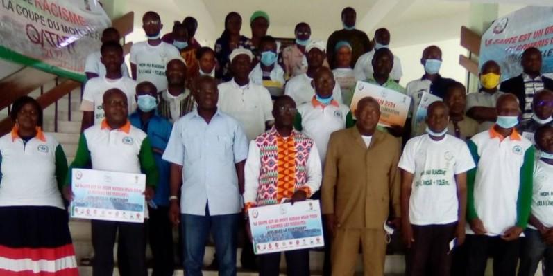 Une vue des participants à l'issue de la cérémonie à la bourse du travail à Treichville. (Franck YEO)