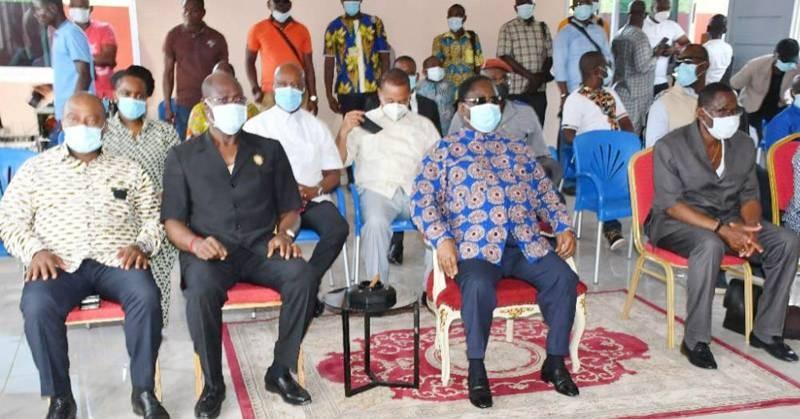 Le président du Pdci-Rda, Henri Konan Bedié, s'est rendu à la cour royale. (Photo : DR)