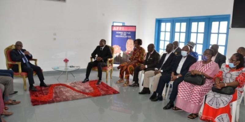 La rencontre des deux personnalités a eu lieu au siège du Fpi à Cocody, en présence de proches collaborateurs. (Photo : DR)