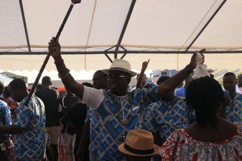 Djomo Cristal accueilli par ses notables après son discours (Bavane)