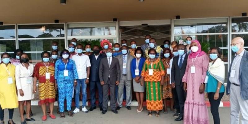 Les participants à l'atelier venus d'une dizaine de pays d'Afrique francophone ont posé pour la postérité. (DR)