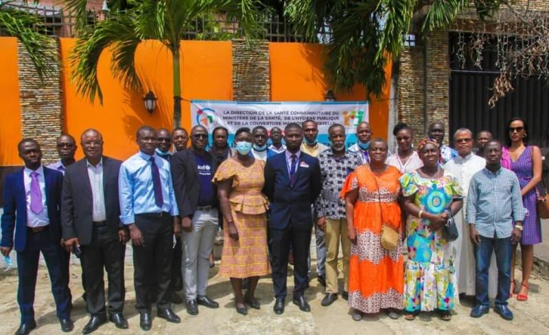 Une trentaine de participants et des partenaires ont planché sur l'approche d'intervention de la santé mentale en milieu communautaire.