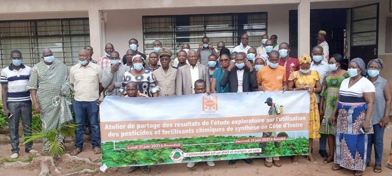 La photo de famille après l'atelier de restitution sur l'utilisation des pesticides et des fertilisants chimiques. (Photo : DR)