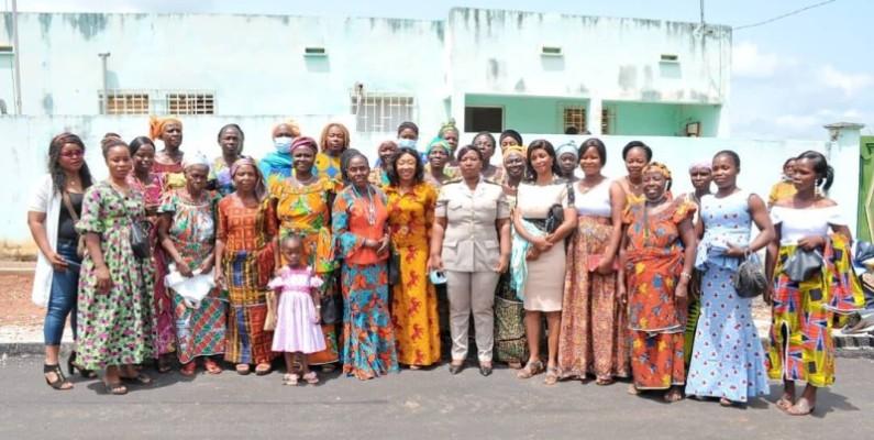 Le préfet Odette Gbanda Ella s'est félicitée de la vision d'autonomisation de ses visiteuses. (Photo : DR)