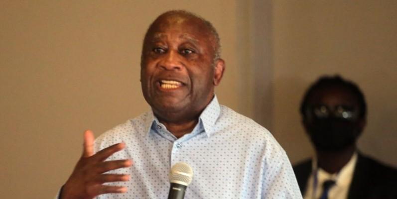 L'ex-Chef de l'État, Laurent Gbagbo, était très content de voir les chefs traditionnels du Gôh. (Photo : Sébastien Kouassi)