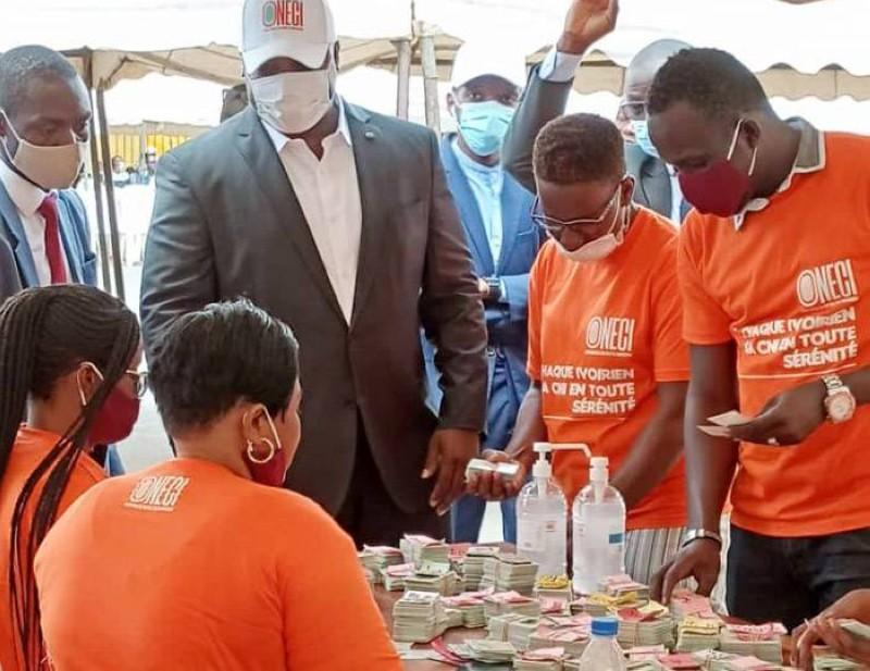 De nombreux demandeurs de la Cni de la commune d'Abobo ont retiré leurs cartes au cours d'une opération spéciale. (Photo : DR)