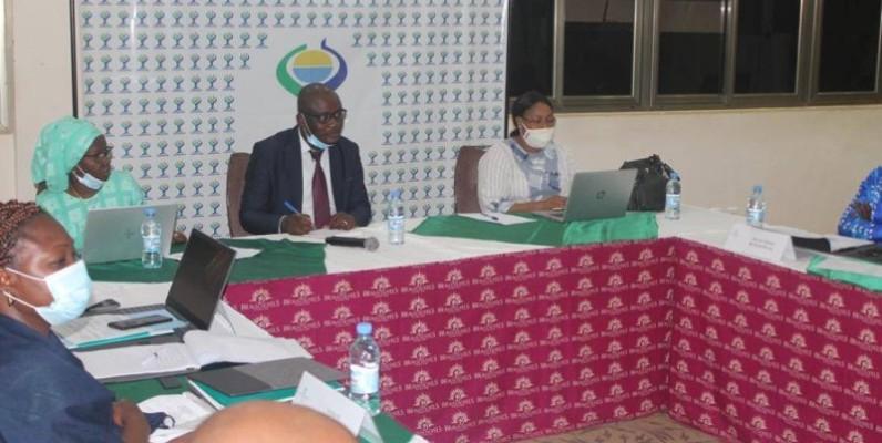 L'expert Gilbert Zongo (au centre) a instruit les journalistes sur la politique agricole de l'Uemoa. (Photo : DR)