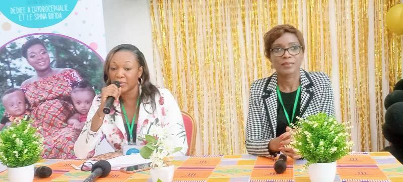 Mafanta Touré Diaby (à gauche) et Léticia de Gnacabi (à droite), les promotrices du salon lors de la cérémonie d'ouverture. (DR)