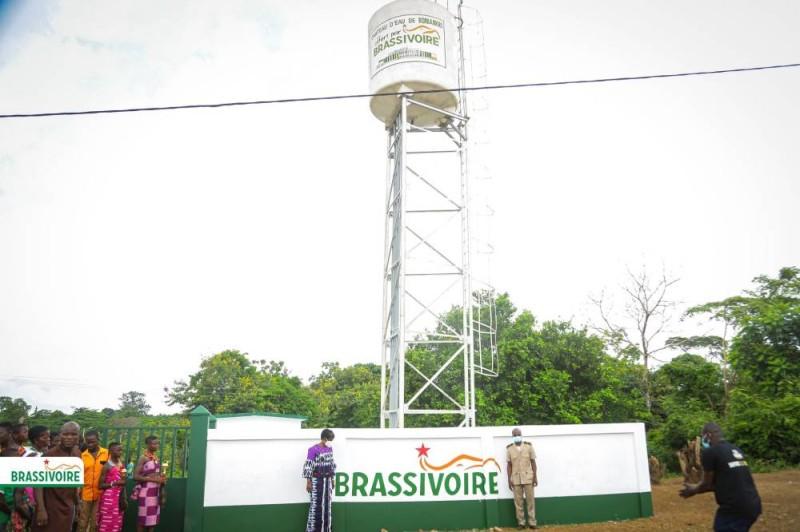 Don d'un château d'eau à Boniankro