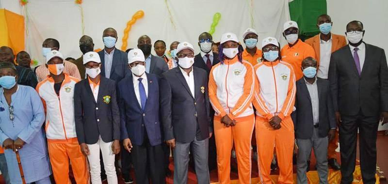 Les athlètes reçus avant leur départ pour le Japon. (DR)
