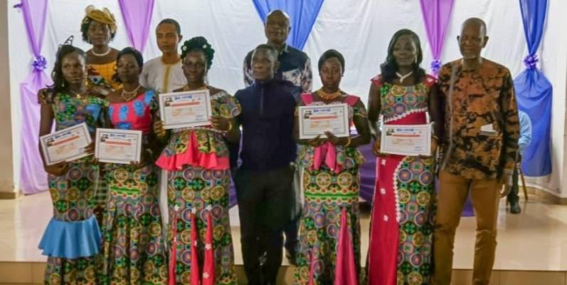 Pathé'O (à l'extrême droite), en compagnie des cinq membres de la 3e promotion de l'Apco. (DR)