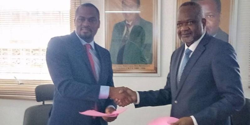 Les deux directeurs se félicitant pour la signature de cette convention. (Bavane)