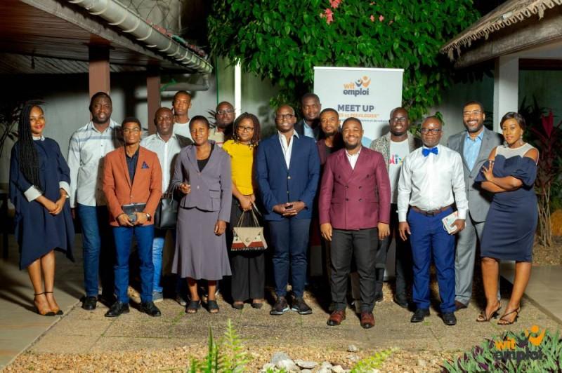 Photo de famille lors de la 6è édition Meet Up « Les 15 privilégiés »