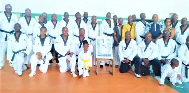 La communauté de taekwondo a rendu un hommage mérité à Me Hié Francis, fondateur du club Cristal des Deux-Plateaux. (DR)
