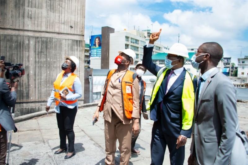 Le ministre de la Construction, du Logement et de l'Urbanisme, Bruno Nabagné Koné, a visité l'immeuble «La Pyramide», le 11 août 2021. (DR)