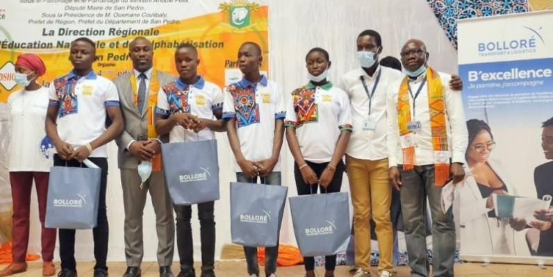 Les élèves ont exprimé leur gratitude aux responsables du Groupe Bolloré Transport & Logistics. (DR)