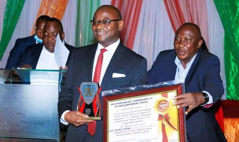 Hamadou Diomandé (au centre), super lauréat Pafed 2021. (DR)