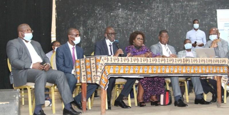 Les acteurs de la mise en œuvre du projet ont échangé avec les populations impactées vivant à Abobo. ( Photo : Véronique Dadié)