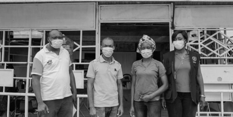 Grâce à ce projet, Edith N'Guessan (2e à partir de la droite) a pu se réintégrer.(DR)