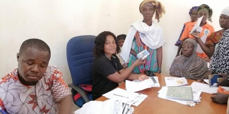: Les bénéficiaires du projet filets sociaux samedi 28 août 2021 à Madinani (DR)