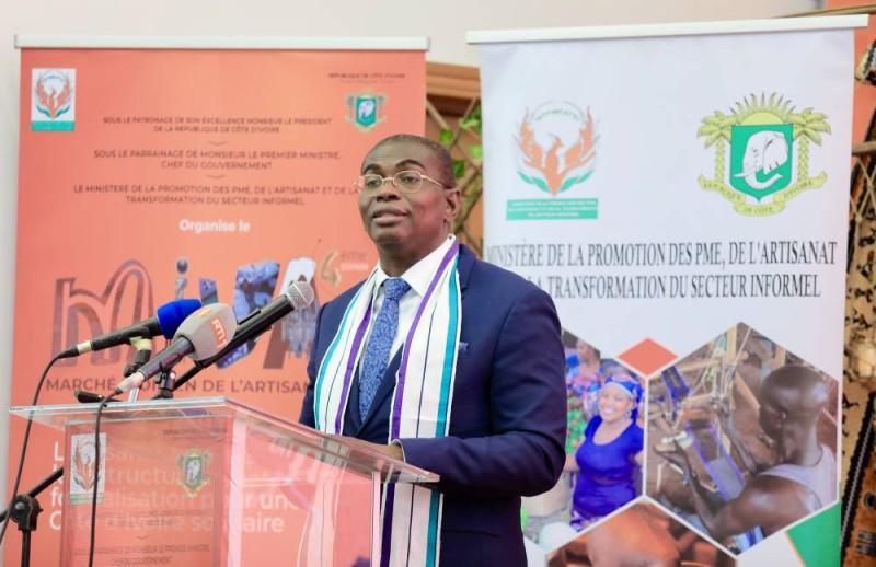 Le ministre Félix Anoblé invite les artisans à participer au Miva(Photo: Dr).