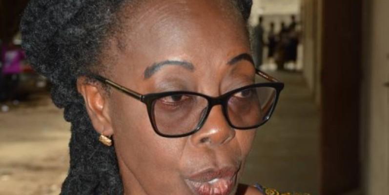 Mme Philomène Koffi, présidente du Coges du Lycée moderne Victor Amagou de Marcory appelle l'Etat au secours. (Photo : Julien Monsan)