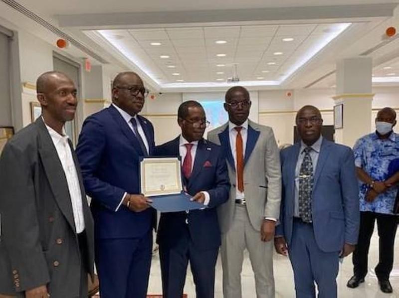 Les Ivoiriens du pays de l'Oncle sont venus dire au revoir et faire un standing ovation á l'Ambassadeur Mamadou Haïdara